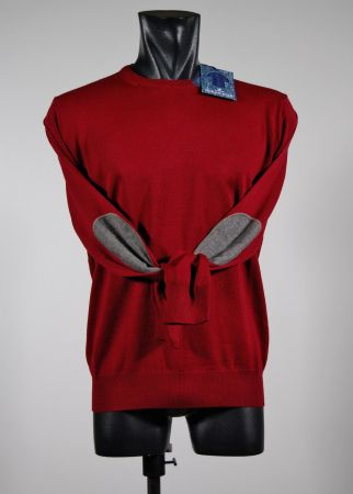 Round neck sweater with wool patches shaved ocean star in four colors