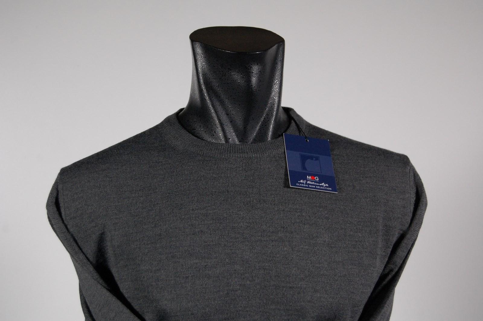 79692c54b2 Maglione uomo MG in misto lana rasata a giro collo quattro colori ...