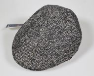 Berrett Classic man in mixed grey wool with imor tweed of Banfi