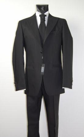 Abito nero gessato luciano soprani con panciotto e cravatta