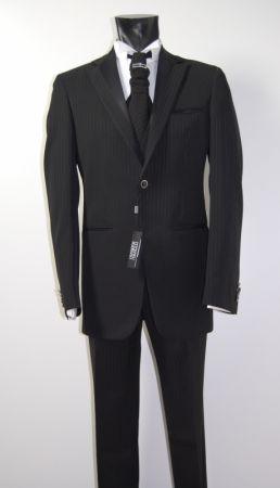 Abito nero gessato luciano soprani completo di panciotto e cravatta