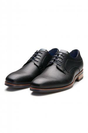 Elegant shoe derby black lace-up digel in worked leather
