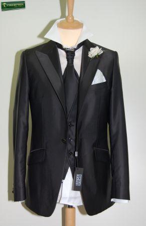 Abito grigio slim fit luciano soprani cerimonia con panciotto e cravatta
