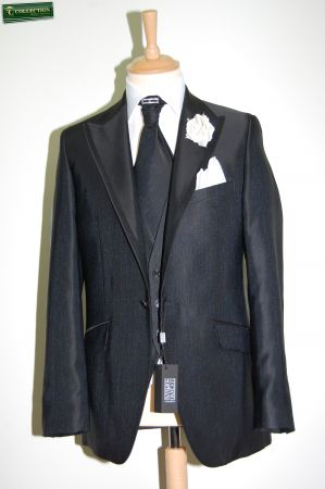 Elegant dress Luciano Soprani black complete with waistcoat matching tie