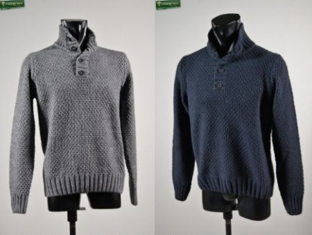 Mock neck with buttons in two colors Blue and gray