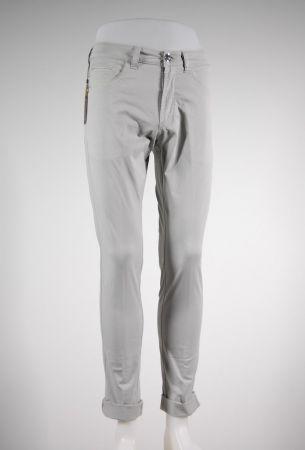 Jeans fradi cinque tasche in cotone stretch tinta in capo in 4 colori